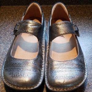 Chain Mail Silver Mary Janes